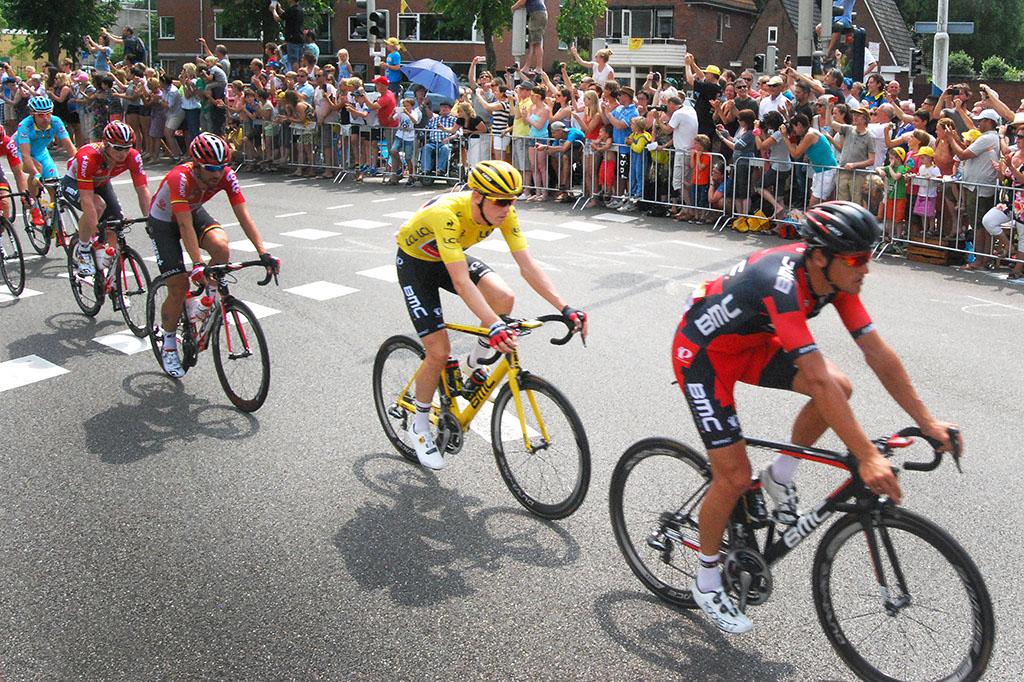 Rohan Dennis in het geel