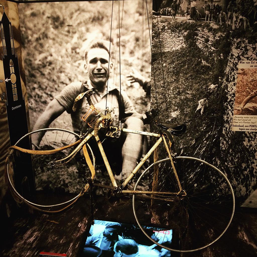 Tentoonstelling Parijs is nog ver Wim van Est: maar zijn Pontiac liep